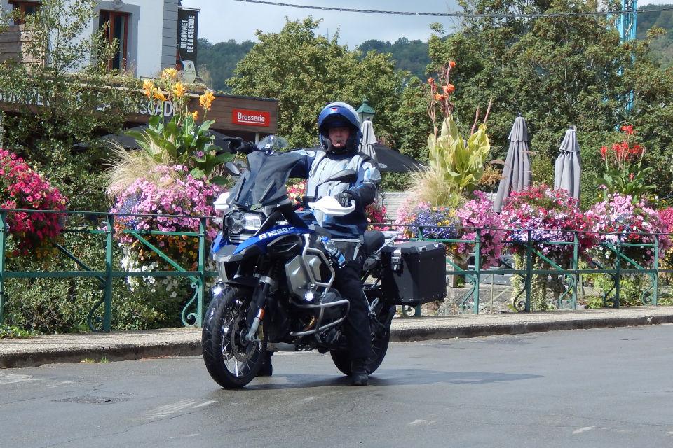 Motorrijbewijspoint Amstelveen examengarantie AVB en AVD